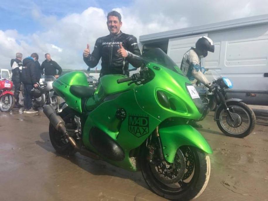 Мотоциклист, который попал в аварию на скорости 376 км/ч, установил новый рекорд 1