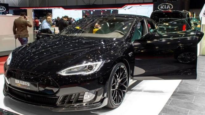 Украинцам покажут уникальный Tesla Brabus 1