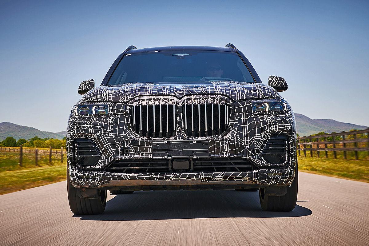 «Шик и роскошь»: тест-драйв BMW X7 1