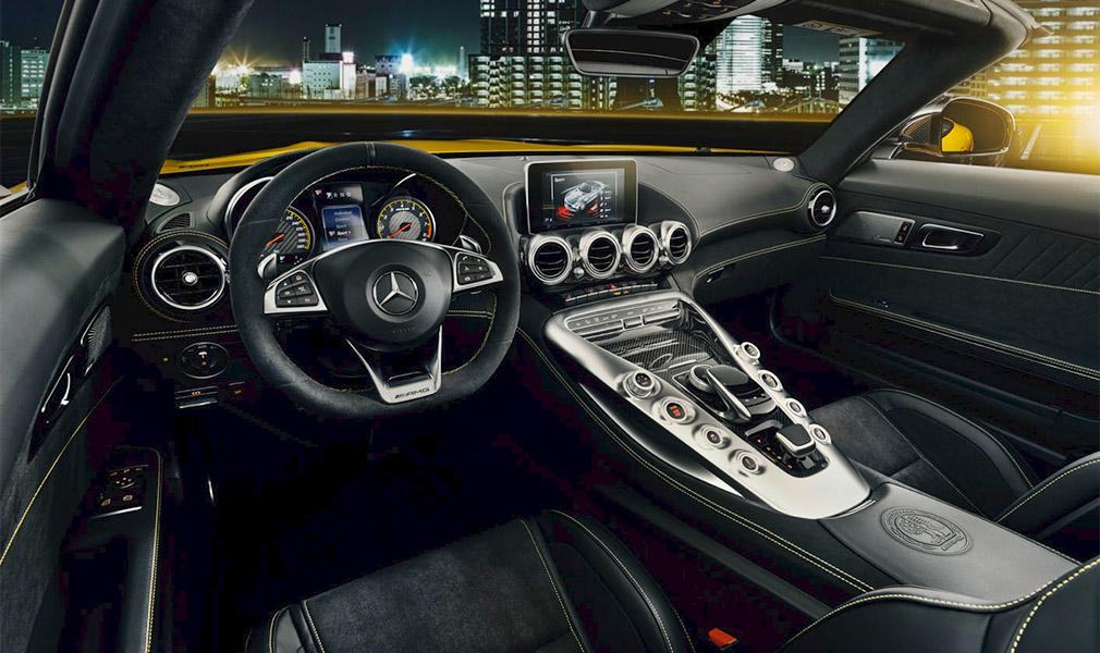 Mercedes-AMG презентовал родстер GT S 2