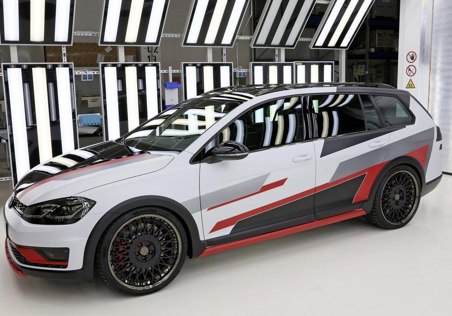 Молодежь с заводов Volkswagen сделала 414-сильный Golf GTI и газовый кросс-универсал 4