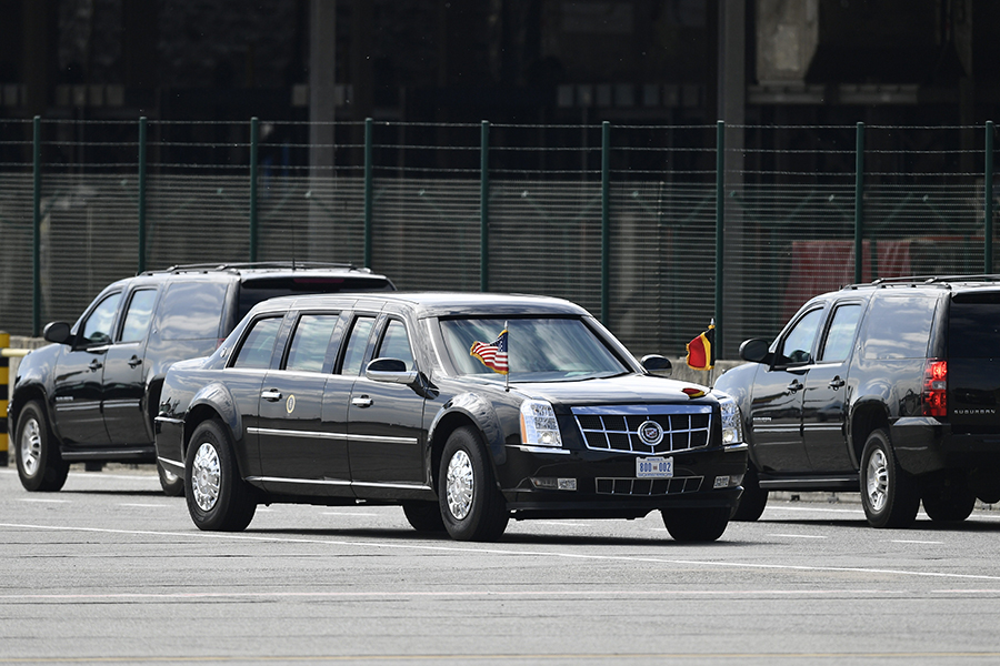 Американцы сравнили лимузины Трампа и Путина 2