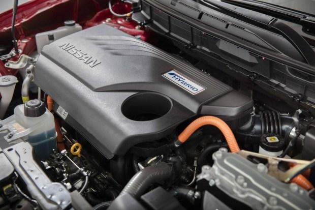 Nissan выводит на рынок новый семейный кроссовер 4