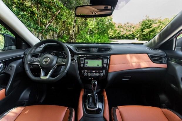 Nissan выводит на рынок новый семейный кроссовер 3