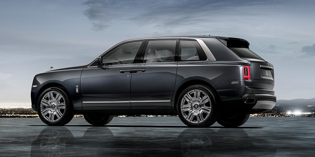 Rolls-Royce официально представил свой первый кроссовер 3