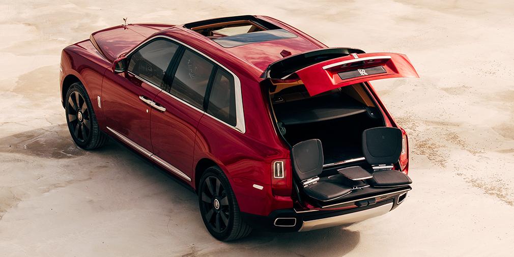 Rolls-Royce официально представил свой первый кроссовер 7