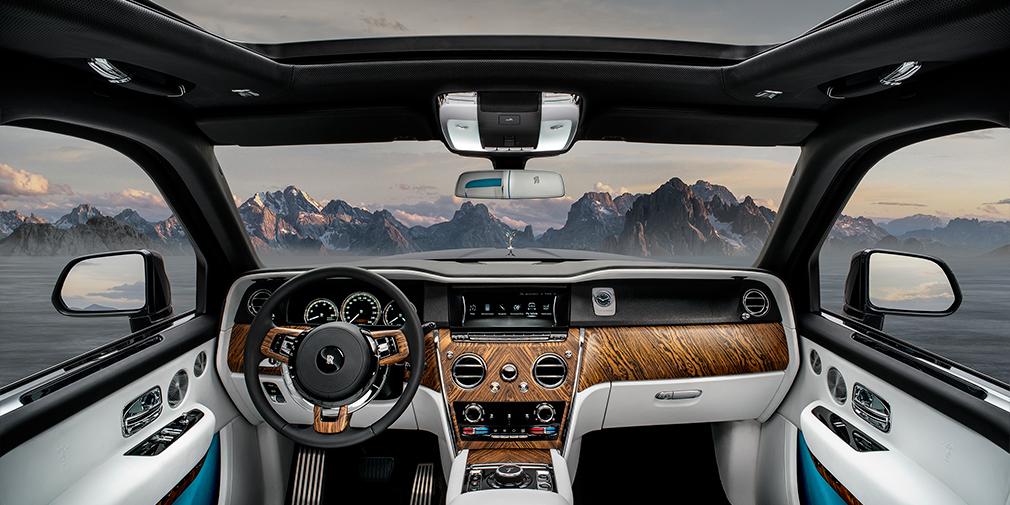 Rolls-Royce официально представил свой первый кроссовер 8