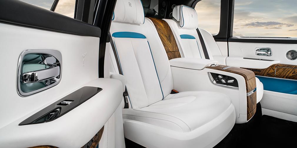 Rolls-Royce официально представил свой первый кроссовер 10