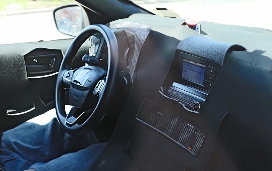 Рассекречен интерьер нового кроссовера Ford Kuga 1