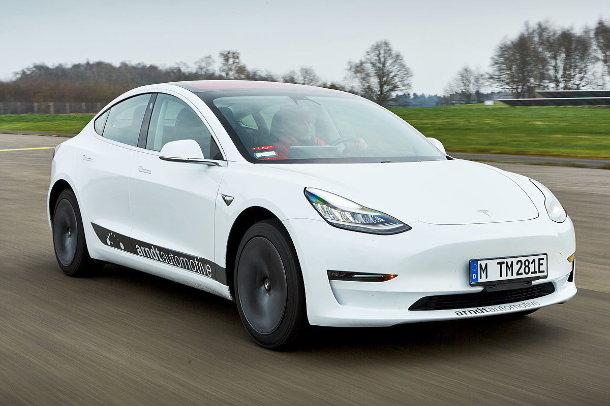 «Заокеанская экзотика»: тест-драйв Tesla Model 3 2