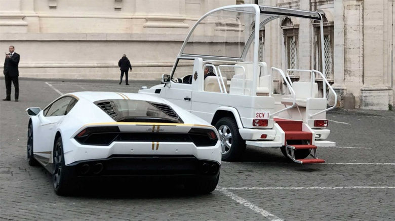Папа Франциск продает свой Lamborghini 2