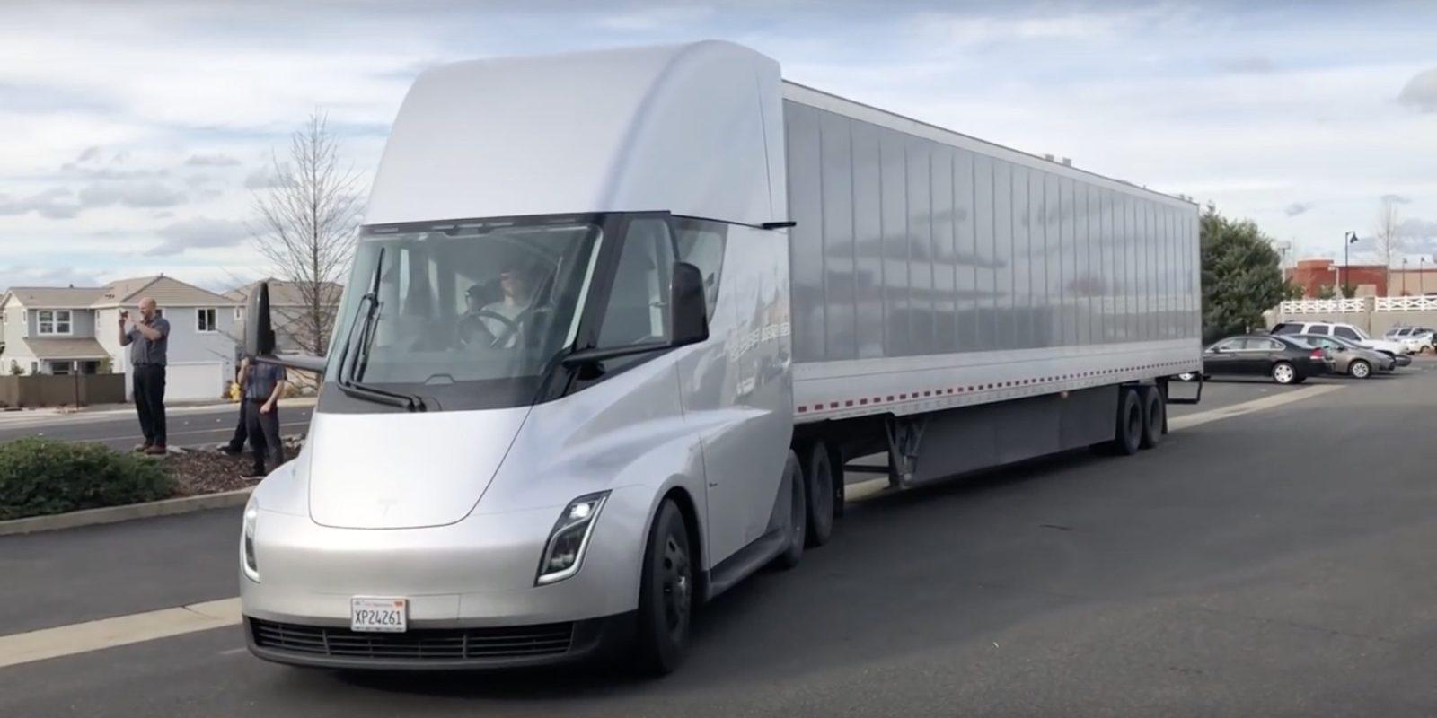 Электрогрузовик Tesla сможет преодолевать тысячу километров без подзарядки 1