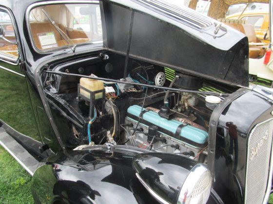 Украинец восстановил раритетный автомобиль 1937 года 4