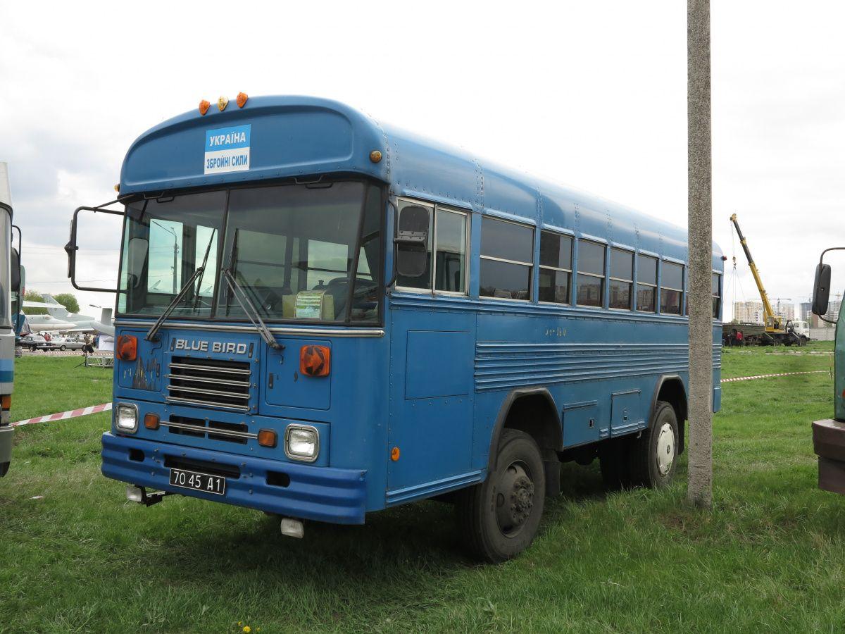 Какие американские автобусы «несут службу» в Вооруженных силах Украины 1