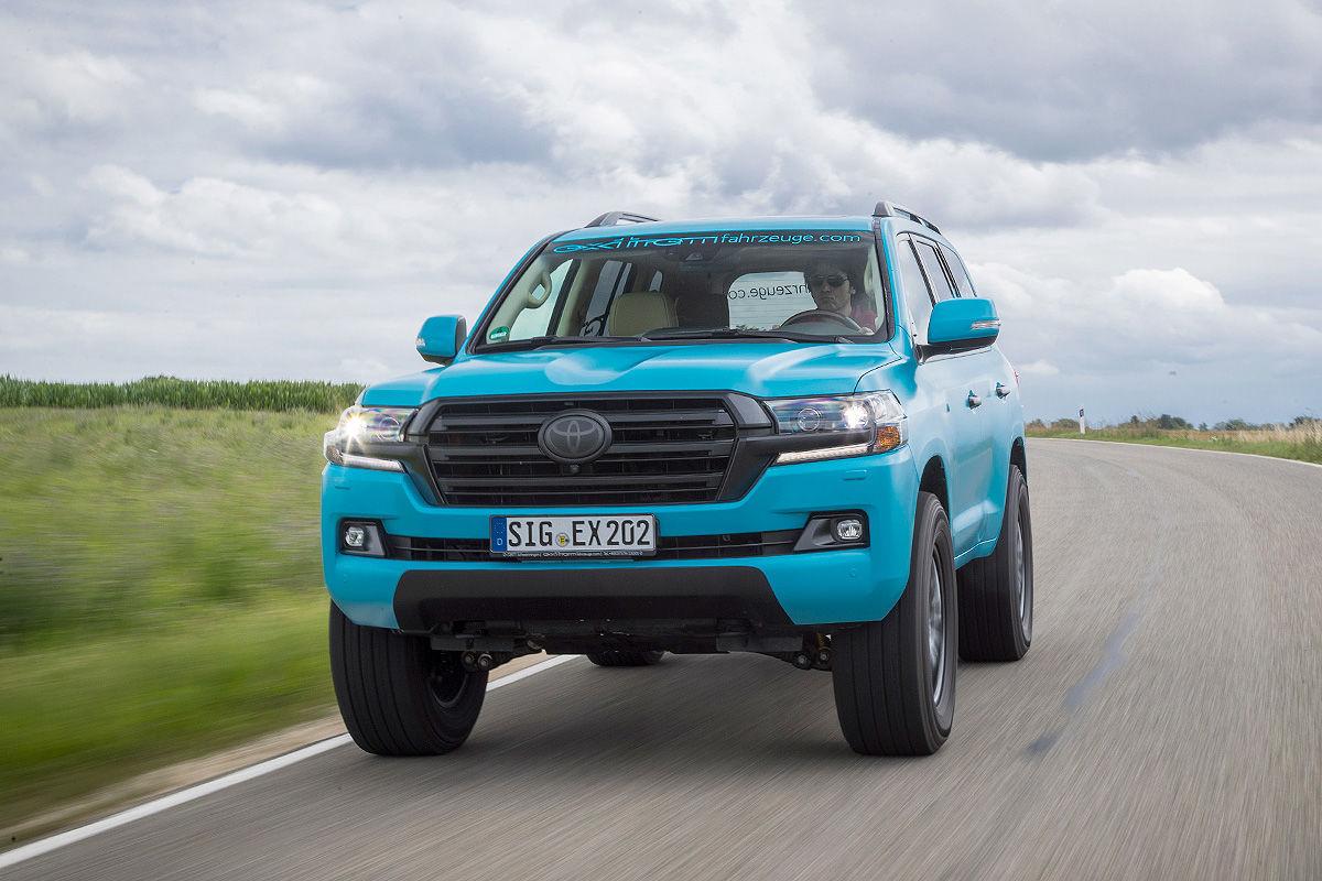«Комфорт и мощь»: тест-драйв Toyota Land Cruiser с двигателем V8 1