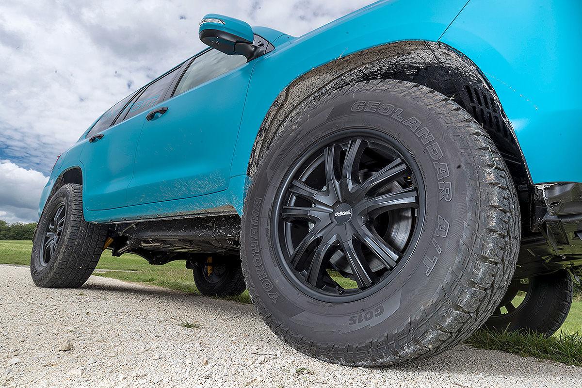 «Комфорт и мощь»: тест-драйв Toyota Land Cruiser с двигателем V8 3