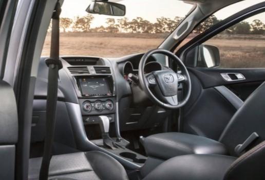 Mazda представила обновленный пикап BT-50 3