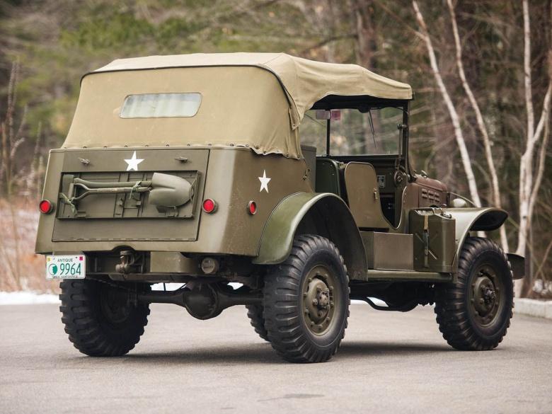 Два легендарных военных автомобиля из США пустят с молотка 2