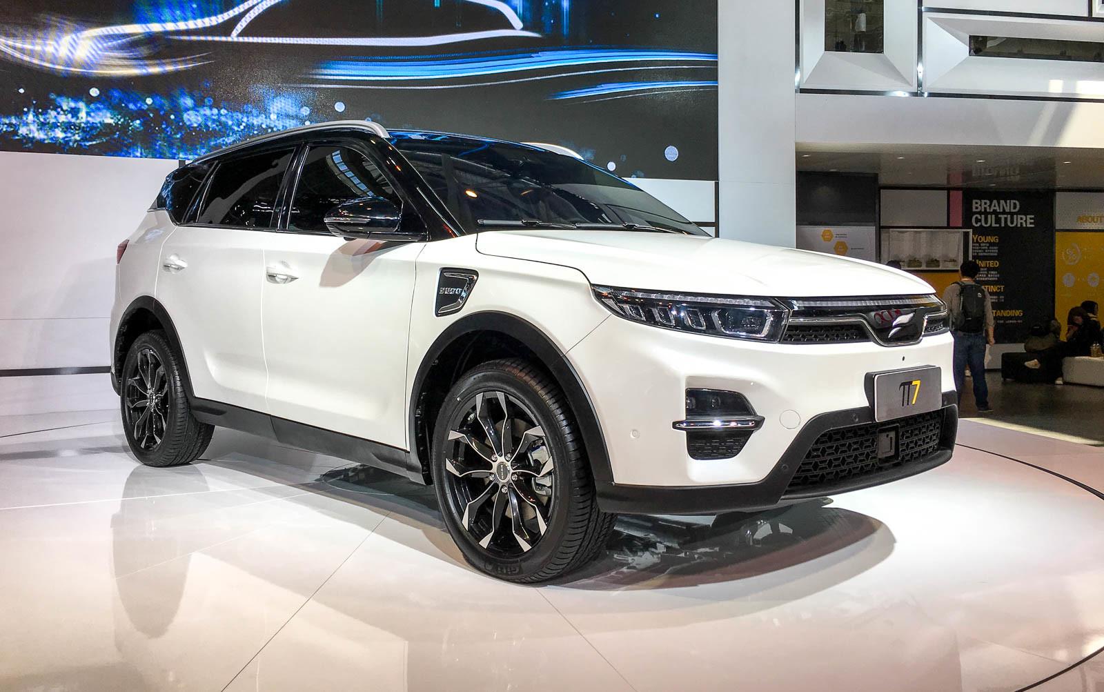 В Пекине представили очередного «конкурента Tesla» 2