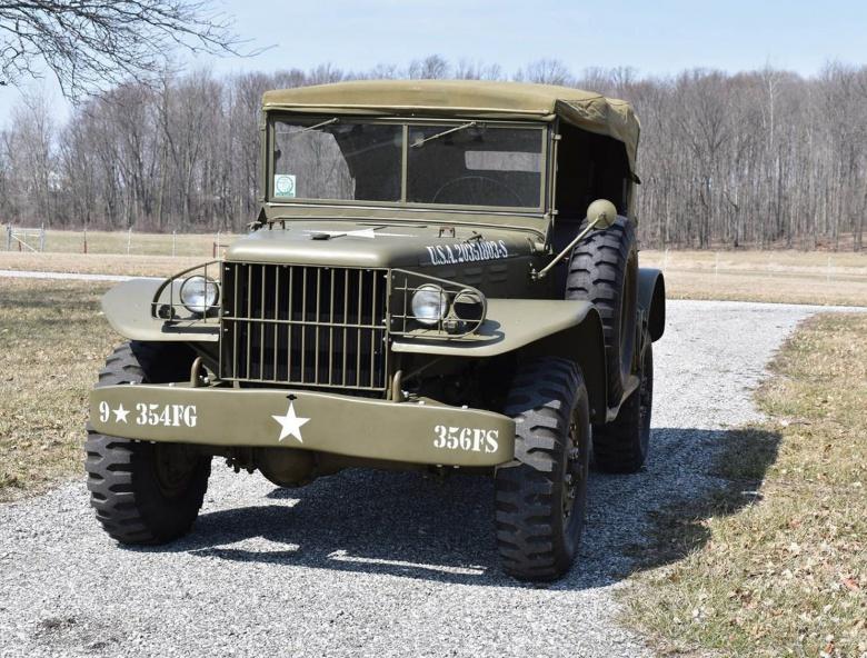 Два легендарных военных автомобиля из США пустят с молотка 4