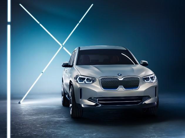 Компания BMW представила полностью электрический кроссовер 1