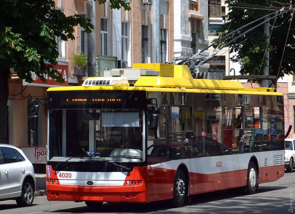 Троллейбусы начнут «сообщать» полиции о нарушениях ПДД 1