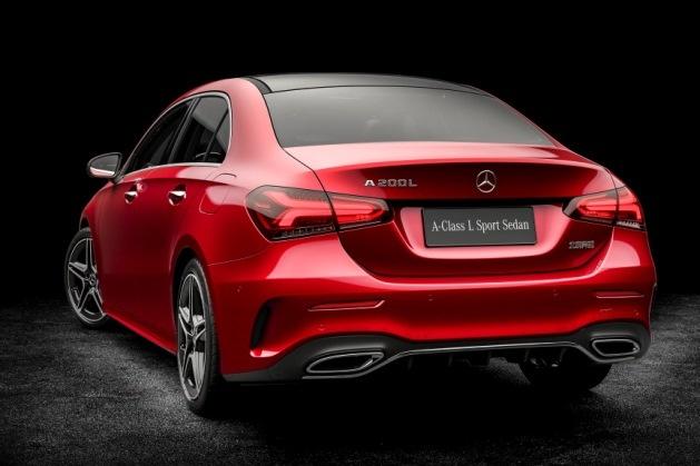 Mercedes-Benz полностью рассекретил удлиненный седан A-Class 2