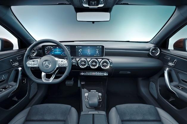 Mercedes-Benz полностью рассекретил удлиненный седан A-Class 3