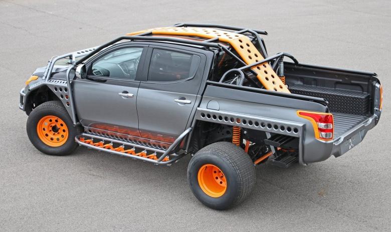 Пикап Mitsubishi L200 стал «акробатом» 2