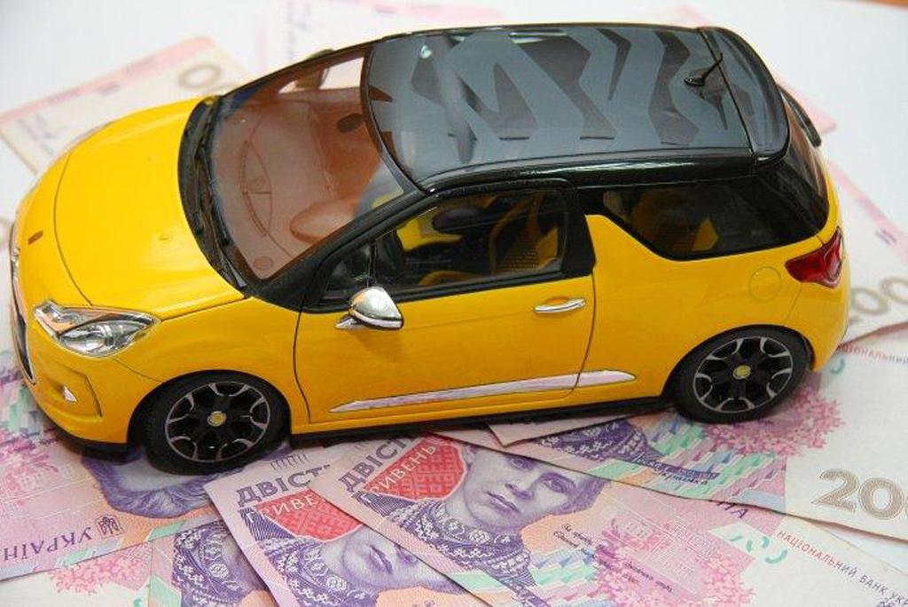 Сколько украинцы уплатили налогов за роскошные автомобили 1