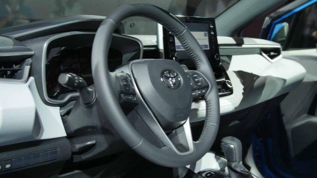 Toyota представит новые спортивные автомобили GR 2