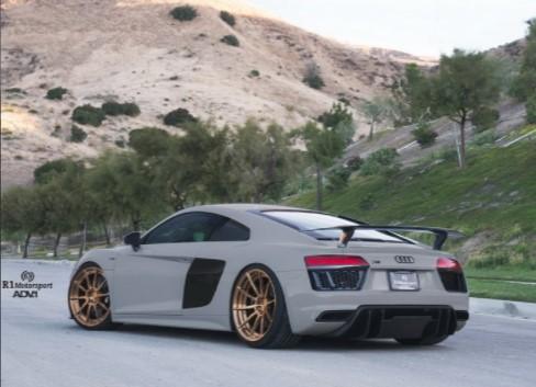Audi R8 Plus получил новый стиль 3