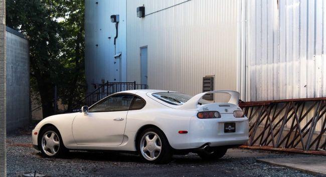 24-летнюю Toyota Supra продали за 24 000 долларов 1