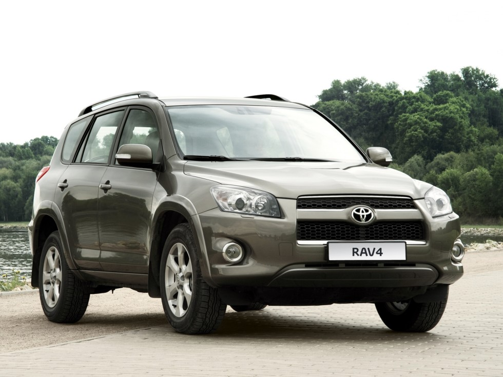 Toyota RAV4 может получить семиместную версию 3