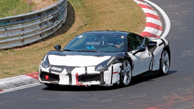 Прототип Ferrari 488 замечен во время тестов 1