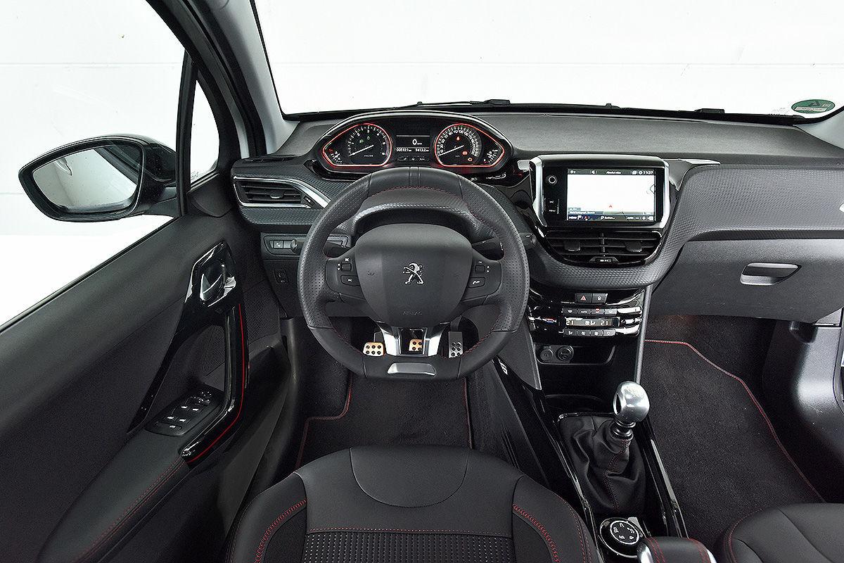 «Удивил так удивил»: тест-драйв подержанного Peugeot 2008 3