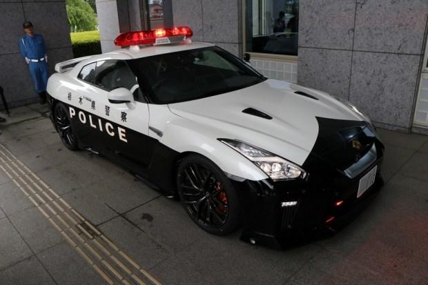 Японская полиция получила патрульный Nissan GT-R 1