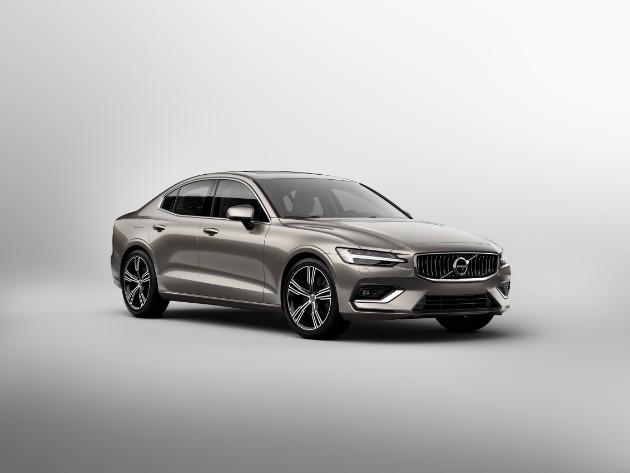 Volvo презентовал седан S60 нового поколения 1
