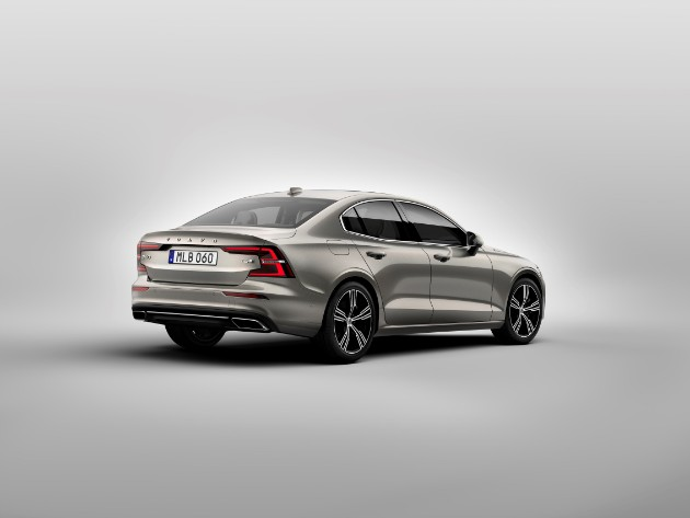 Volvo презентовал седан S60 нового поколения 2