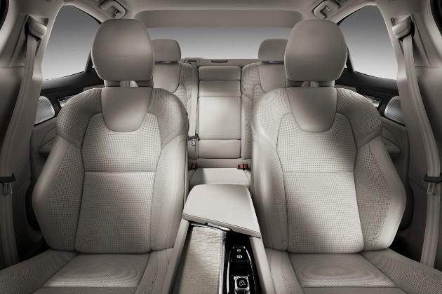 Volvo презентовал седан S60 нового поколения 4