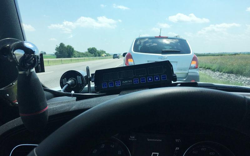 Полицейский задержал водителя за слишком медленную езду 1