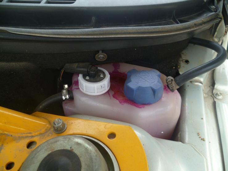 Для чего в автомобиле нужно всегда иметь суперклей и пищевую соду — AvtoBlog.ua
