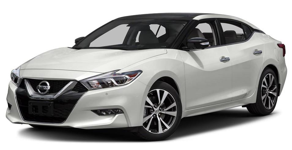 Nissan работает над двумя новыми седанами 2