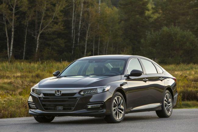Гибридная Honda Accord выходит на автомобильный рынок 1