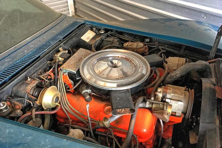Шикарный Corvette 45 лет простоял в гараже из-за отсутствия денег на страховку 1