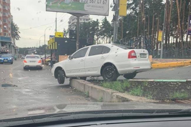 Заколдованное место: где в Украине происходят самые курьезные ДТП (фото) 6