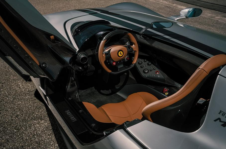Уникальная Ferrari Monza с выхлопом из золота 999 пробы  2