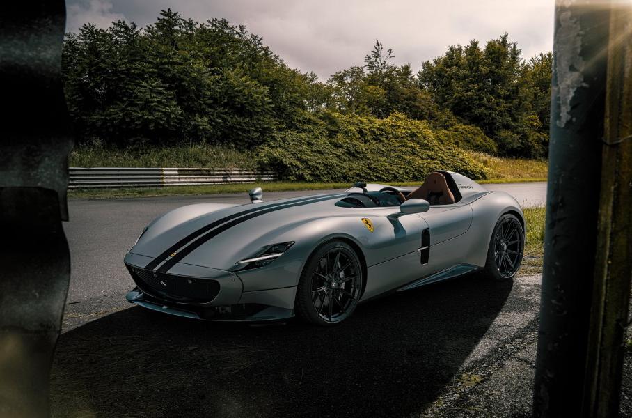 Уникальная Ferrari Monza с выхлопом из золота 999 пробы  3