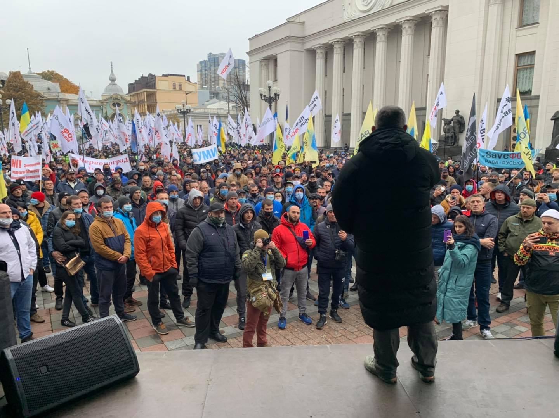 На митинг «евробляхеров» вызвали скорую: активистам становится плохо 1