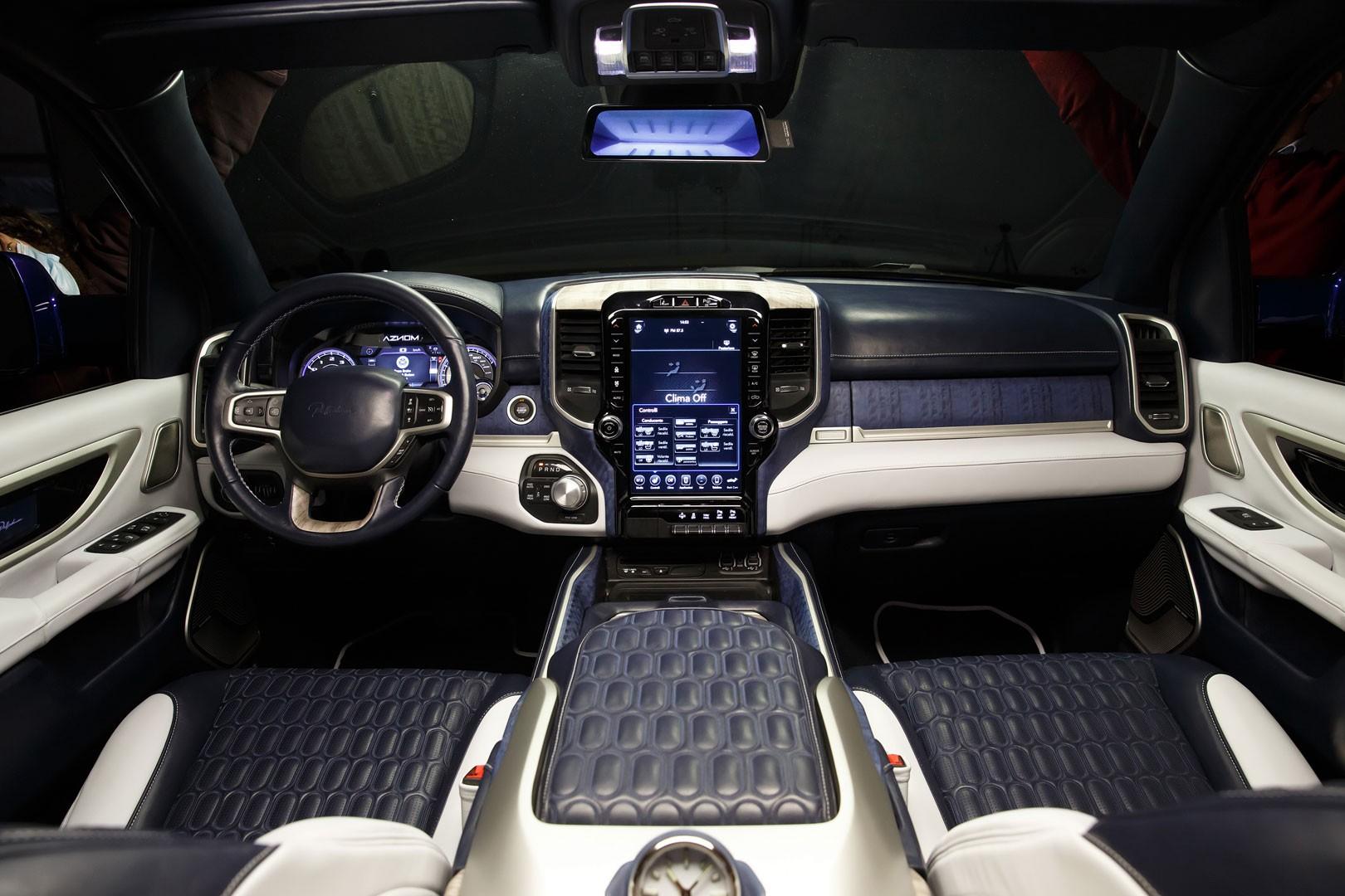 Роскошный итальянский седан с отделкой из золота и палладия 3